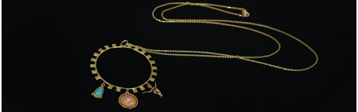Collares y colgantes únicos en plata con identidad propia, joyería tienda online I Madrid 68